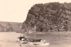 Kümo Anna-Helene auf dem Rhein bei der Loreley (1946)