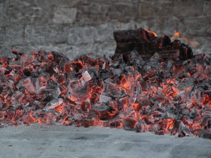 Der Ofen heizt auf