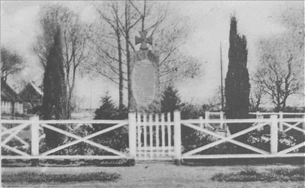 Ehrenmal in Hemm um 1950;16.07.1921 Enthüllung